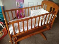 Cosatto Gliding Crib