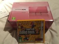 Nintendo 3DS Pink Edition + charger + Case + Dock + Game
