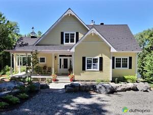 989 000$ - Maison à un étage et demi à vendre à Lac-Aux-Sabl