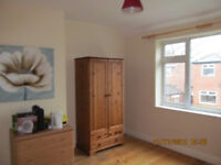 DOUBLE ROOM FOR RENT OLD TRAFFORD MANCHESTER 360pcm