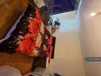 1 bedroom in Northern Avenue, London, N9 (#1061541)