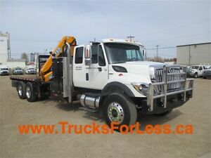 2011 International 7400, PICKER + SERVICE DECK + AIR COMPRESSOR!