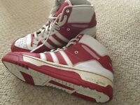 Men's original red white high tops size 9.5. Comfy. Good condition