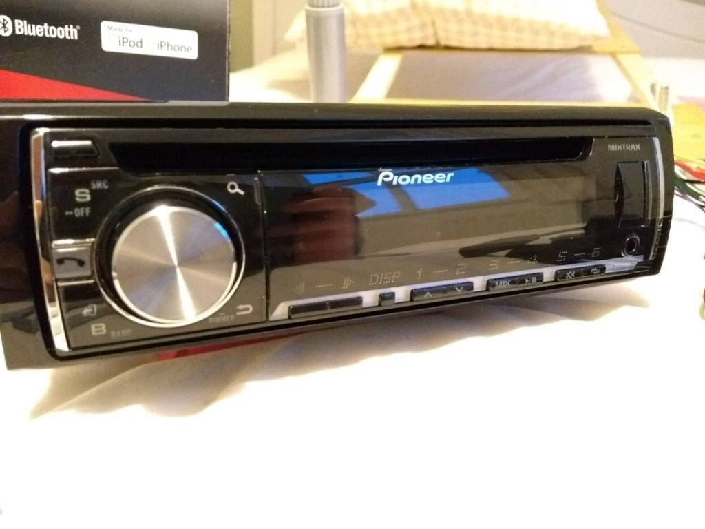 Pioneer Deh X5600bt Car Stereo In Wells Somerset Gumtree Rover Discovery Dash Wiring Harness Kit Ebay Also Rns 510