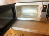 700W SANYO microwave