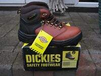 Dickies Bergen Safety Boot Brown or Black Size 6 Euro 4O