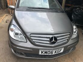 06 MERCEDES B150 PETROL THIS CARS FOR PARTS FOR ANY PARTS CALL ON