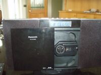 Panasonic SC-HD20DB CD player with Radio and ipod dock.