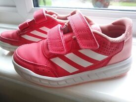 Childrens Adidas trainers size 10