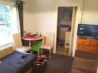 Spacious 2 Bed Flat TO LET