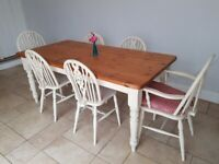 Dining / Kitchen Table and 6 Chairs