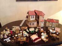 Sylvanian Families Beechwood Hall Doll's House & Furniture & Figures