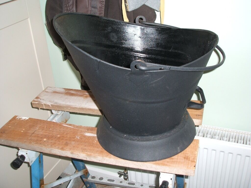 Coal scuttle ready for the winter. Only £5 view before buying just call