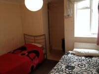 DOUBLE ROOM IN CENTRAL BRIGHTON SHARED WITH A VERY POLITE BOY 295£