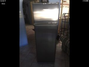 Fisher/Paykel Fridge \ Freezer frost free 290 litre Lake Haven Wyong Area Preview