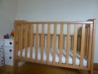 COT BED Mothercare Takeley Wooden Cotbed/ Good value traditional style/ 3 mattress heights