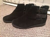 Ankle boots, flat, black, UK size 5