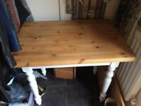 Vintage farmhouse small table 2 or 4 people