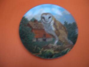 KNOWLES BARN OWL COLLECTOR PLATE BY JIM BEAUDOIN London Ontario image 1
