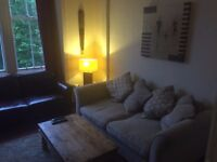 Double Room to let in 2 Bed Retro flat