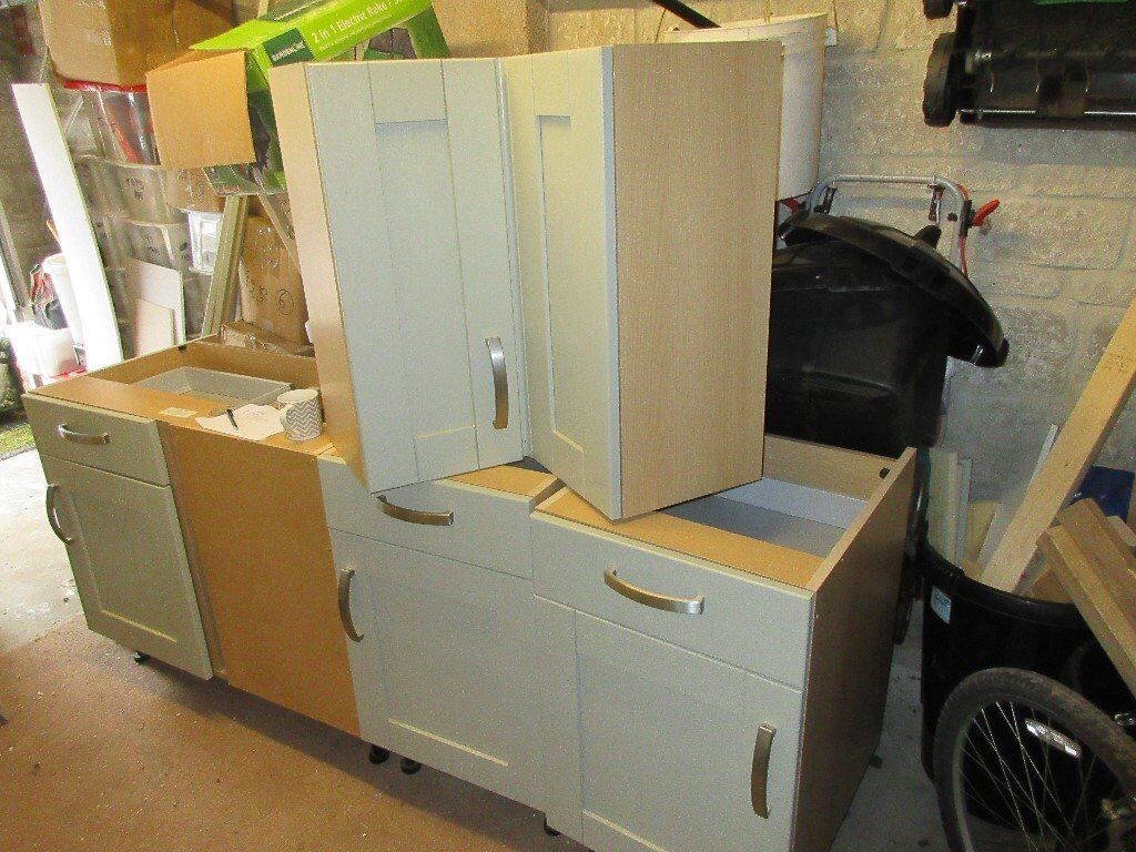 """Howden Tewkesbury """"Skye"""" Kitchen Units Viewing available 14 April 10.00 to 16.00"""