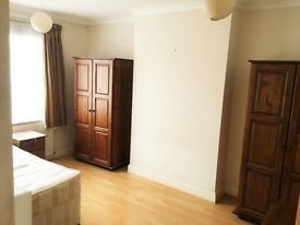 ***LARGE DOUBLE ROOMS AVAILABLE - ALL BILLS INCLUSIVE - ACTON MAIN LINE - NORTH ACTON STATION ***