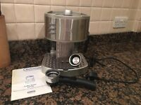 DeLonghi Coffee Machine in great condition