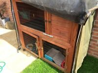Good condition, large rabbit hutch.