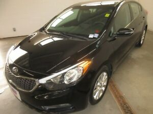 2015 Kia Forte 1.8L LX- ALLOY WHEELS! HEATED SEATS! BLUETOOTH!