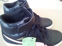 Black puma ladies trainers sneakers New tag