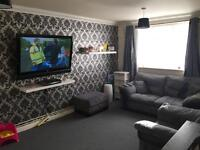 Exchange wanted! 2 bed ground floor flat park gate