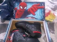 BRAND NEW BOXED BOYS SIZE 12 SPIDERMAN SCHOOL BOOTS + 7-8 YEAR OLD MARVEL TOP £12 FOR BOTH