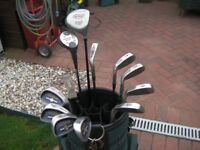 FULL SET GOLF CLUBS WITH GOLF BAG AND SPARE GOLF BALLS
