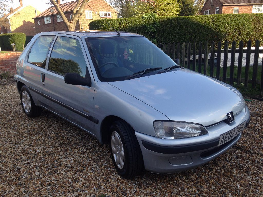 Peugeot 106 1.1 Independence. Blue/silver. Really nice condition. Needs to  go