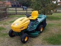 Ride on mower Yardman HN5200 Hydrostatic 20HP B/S Twin Intek Motor all in good order