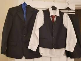 Boys Communion suit set. 9-10 Y