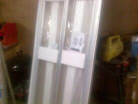 Bi -fold shower door