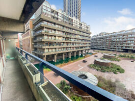 Double bedroom apartment in the unique sought after Barbican Complex