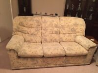 Sofá suite 3 seater sofa and 2 armchairs