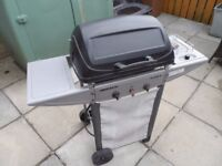 GAS BARBEQUE WITH SIDE GAS RING