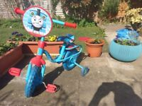 Thomas the tank children's/toddler bike with stabilisers