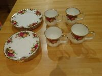 Vintage Royal Albert Old Country Roses China 12 Piece Tea Set