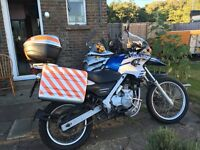 FOR SALE BMW F650 DAKAR - LOW MILEAGE - COMES WITH PANNIERS, TOP BOX & EXTENDED SCREEN