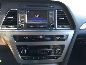 2016 Hyundai Sonata 2.4L GL/ALMOST NEW!/CLEAROUT!!/PRICED FOR A  Kitchener / Waterloo Kitchener Area image 19