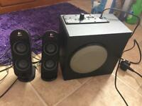 Speaker set with sub