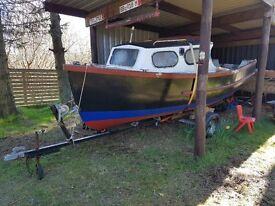 FISHING BOAT, DAY BOAT ON ROAD TRAILER GREAT EASY PROJECT