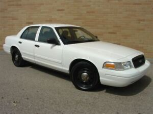 2010 Ford Crown Victoria Police Interceptor. Only 146000 km!!