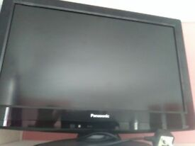 22 inch PANASONIC HDMI FREEVIEW GREAT FOR BEDROOM GAMING ETC