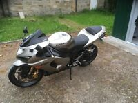 kawasaki ZX636. 2005.Silver. Good condition with only a few small age related marks/scuffs.