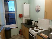 Quiet 2 bedroom city centre flat with spare bedroom/study